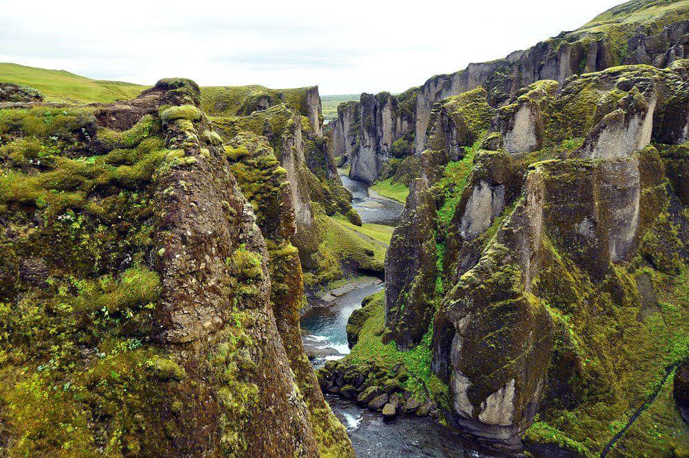 каньйон Fjaðrárgljúfur_Исландия